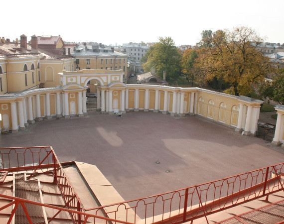 Парадный двор Юсуповского дворца